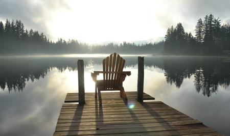 S'assoir calmement avec ce qui, en nous, demande un peu de notre attention et simplement écouter est l'essentiel du Focusing.