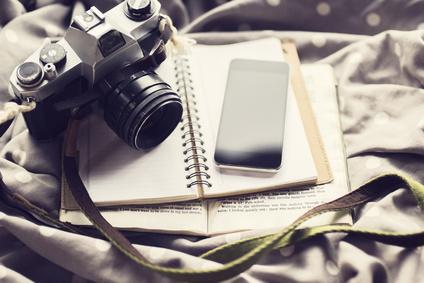 Afin de tourner la caméra vers soi, il nous est recommandé, dans la pratique de la théorie U, de documenter nos rencontres.